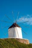 Mulino a vento tradizionale sull'isola di Mykonos Immagine Stock Libera da Diritti
