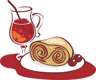 Mulled wine and strudel Royalty Free Stock Photography