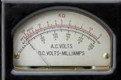 Multímetro eléctrico de la vendimia. foto de archivo libre de regalías