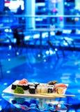 Multe el sushi en una placa Imagen de archivo libre de regalías