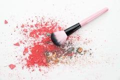 Multi покрашенные тени для век на щетке, blusher порошка инструмента красоты Стоковые Изображения