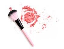 Multi покрашенные тени для век на щетке, blusher порошка инструмента красоты Стоковая Фотография