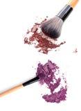 Multi покрашенные тени для век на щетке, blusher порошка инструмента красоты моды Стоковые Фотографии RF