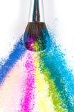 Multi покрашенные тени для век порошка с щеткой, инструментом красоты моды Стоковая Фотография