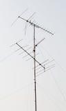 Multi-antenna alta in cielo con la nuvola Fotografia Stock Libera da Diritti