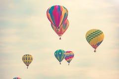 Multi balões de ar quente coloridos Fotos de Stock
