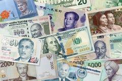 Multi Banknoten von verschiedenen Werten und von Währungen, Draufsicht pil stockbilder