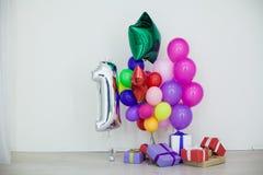 Multi-colored ballons en giften voor de vakantie Stock Foto