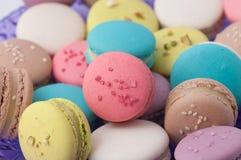 Multi-colored dessert macarons Stock Afbeeldingen