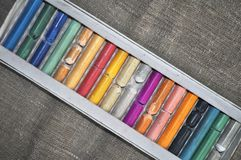 Multi-colored pastelkleur in de doos Stock Fotografie