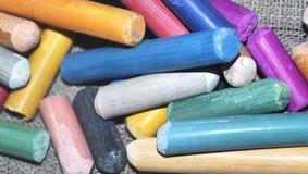 Multi-colored pastelkleurkleurpotloden Stock Afbeeldingen