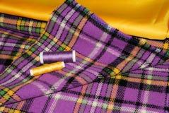 Multi-colored stoffen voor het naaien Stock Foto