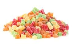 Multi-coloured zoete die close-up van het fruitsuikergoed op een witte achtergrond wordt geïsoleerd Succade stock foto