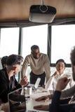 Multi ethnische Geschäftsleute, Unternehmer, Geschäft, Kleinbetriebkonzept stockbild