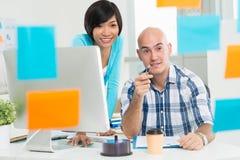 Multi-etnisch commercieel team stock fotografie