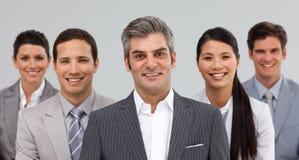 Multi-etnisch commercieel team dat zich verenigt Stock Fotografie