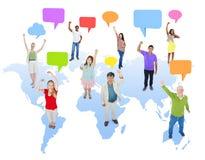 Multi-etnische Groep Mensen met Wereldmededeling Stock Foto
