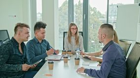 Multi-etnische Zaken Team Meeting royalty-vrije stock afbeelding