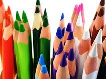 Multi farbige Bleistifte stockbilder