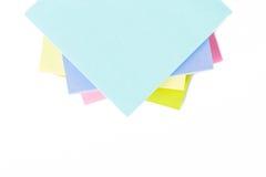 Multi farbige Post-Itanmerkungen Stockfoto