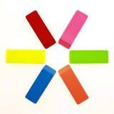 Multi farbige Radiergummis im Kreis Stockbilder