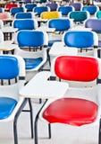 Multi farbige Stühle stockbild