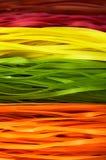 Multi farbige Teigwaren auf einem vollen Rahmen vertikal Stockfotos