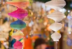Multi farbige und weiße Spiralen Stockfotos