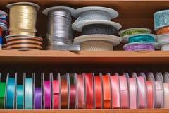 Multi farbiges Farbband Stockbilder
