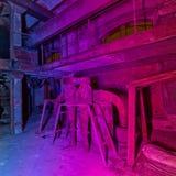 Multi Farblicht, das alte Fabrik malt Stockbilder