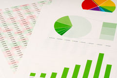 Multi Farbtorte und grüne Balkendiagramme Lizenzfreies Stockfoto