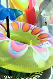 Multi gekleurd inflatables op verkoop Stock Afbeeldingen