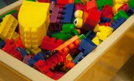 Multi Gekleurd Plastic Toy Blocks van Diverse Grootte Stock Afbeelding