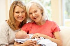 Multi-generation οικογενειακό πορτρέτο Στοκ Εικόνα