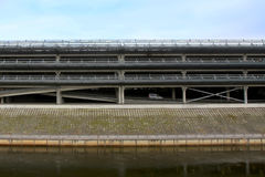 Multi Geschoss-Parkplatz Stockfotografie