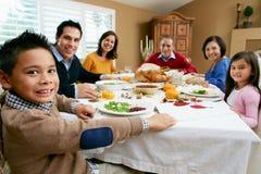 Multi het Vieren van de Familie van de Generatie Dankzegging Stock Foto's