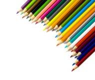 Multi lápis coloridos no fundo branco Fotografia de Stock Royalty Free