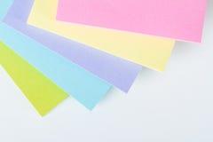 Multi note di Post-it colorate Immagini Stock