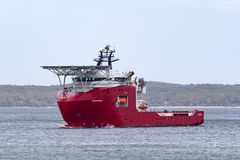 Multi Zweck der australischen Grenzkraft weg vom Uferschiff Ozean-Schild in Jervis Bay lizenzfreies stockbild