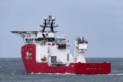 Multi Zweck der australischen Grenzkraft weg vom Uferschiff Ozean-Schild in Jervis Bay stockfotos