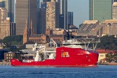 Multi Zweck der australischen Grenzkraft weg vom Uferschiff Ozean-Schild in Sydney Harbor stockbild