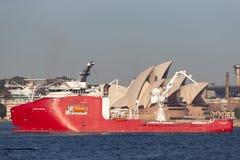 Multi Zweck der australischen Grenzkraft weg vom Uferschiff Ozean-Schild in Sydney Harbor stockfotos