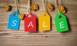 Multicolor бирки помечая буквами продажу Стоковые Изображения