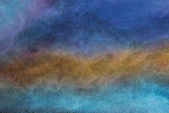 Multicolor mgła, mgła, dym lub proszek, jesteśmy komarnic rozciągnięci pełni w przestrzeni zdjęcie stock