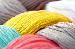 Multicolor trådar texturerar Arkivfoton