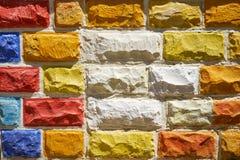 Multicolored bakstenen muur malta Stock Afbeelding