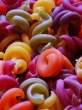 Multicolored deegwaren Gekleurde deegwaren Stock Afbeelding