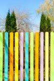 Multicolored houten omheining outdoors royalty-vrije stock foto's