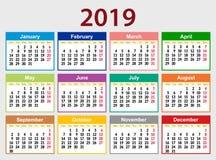 Multicolored kalendernet voor 2019 in het Engels Het weekbegin op Maandag De dag weg is Zondag royalty-vrije illustratie