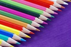 Multicolored kleurpotloden Stock Foto